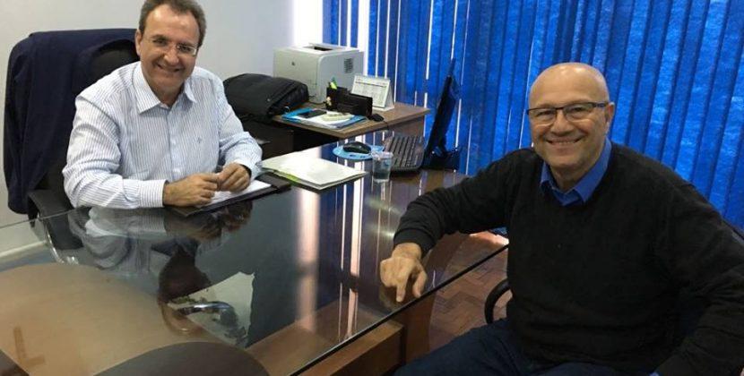 Romanelli entrega máquinas e inaugura obras em três cidades no Norte Pioneiro