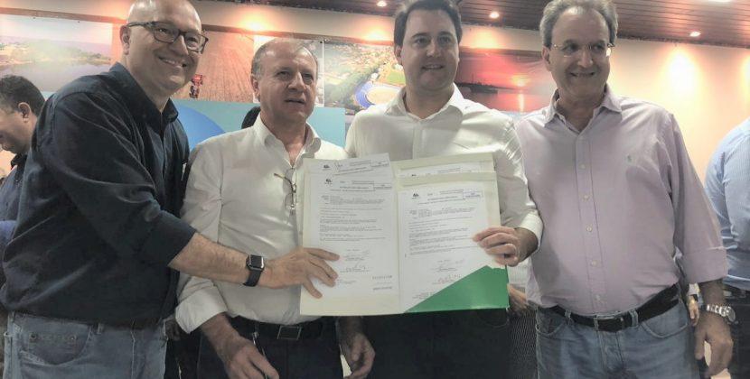 Romanelli e Ratinho Jr anunciam R$ 9,6 milhões em obras para 14 cidades da região Norte do Paraná