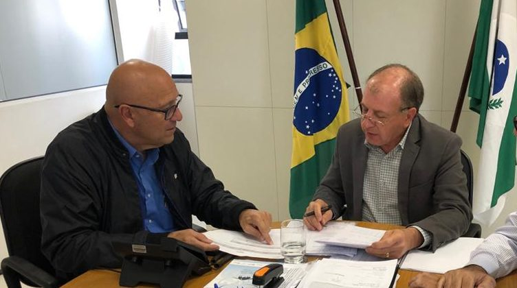 5 cidades do Norte Pioneiro e Noroeste garantem R$ 12 milhões para obras e compra de equipamentos