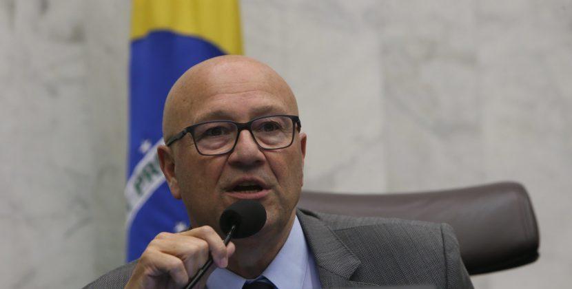 Assembleia defende que presidente e ministro revejam cortes de verbas nas universidades federais no Paraná